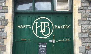 Image of https://bristol-barkers.co.uk/dog-friendly/harts-bakery/