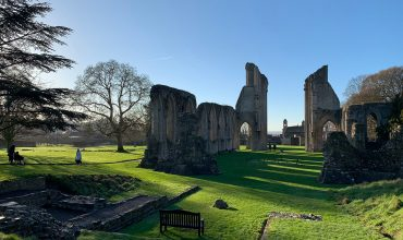Image of https://bristol-barkers.co.uk/walks/glastonbury-abbey/