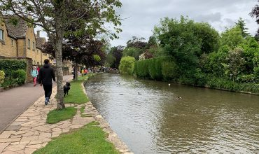 Image of https://bristol-barkers.co.uk/posts/dog-friendly-day-out-at-bourton-on-the-water/